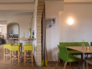 Cafe 18 97 am Longinusturm